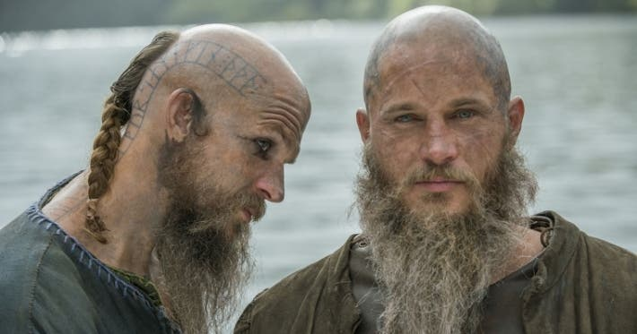 Photo : Vikings: the story behind the lead characters' awesome tattoos!